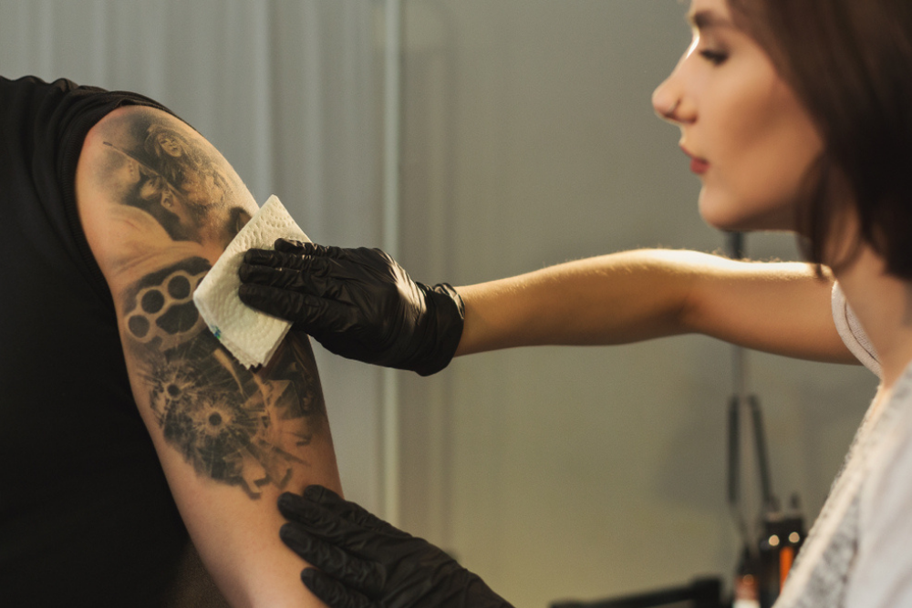 VASELINE ON TATTOOS: IS IT GOOD FOR TATTOO AFTERCARE ?