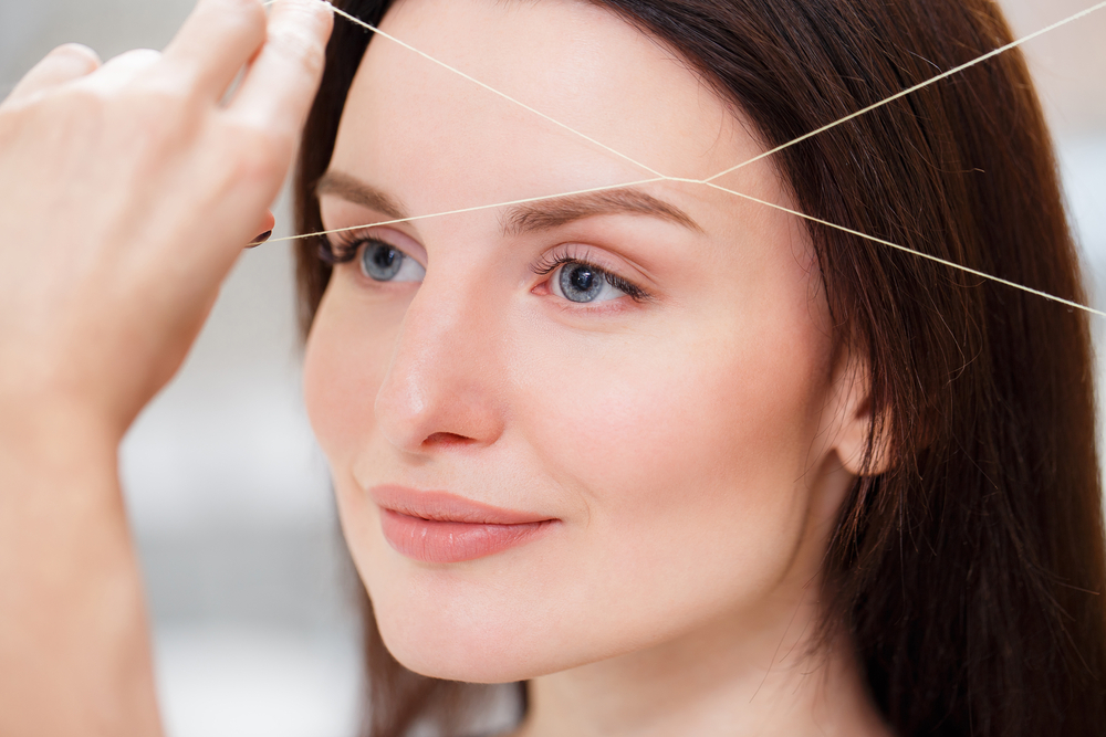 EYEBROW THREADING VS WAXING: WHICH ONE WILL GIVE YOU BETTER FINISH?
