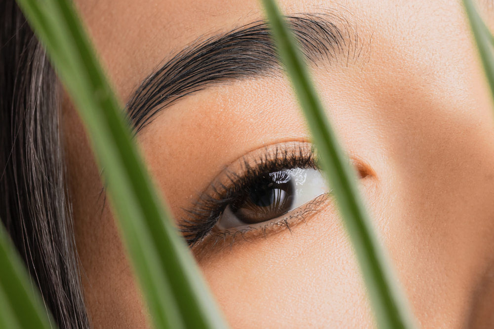VOLUME EYELASH AND CLASSIC EYELASH EXTENSIONS – WHICH IS BEST