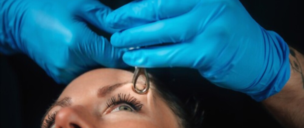 Does eyebrow piercing hurt